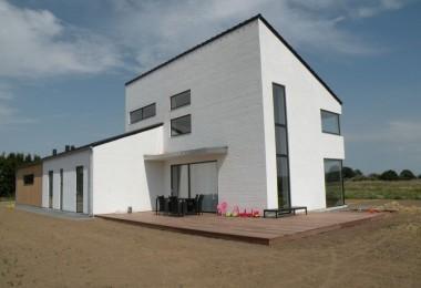 Arkitektstegnet villa i 2 plan.